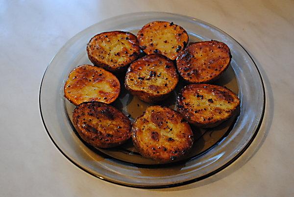 жареная картошка в кожуре